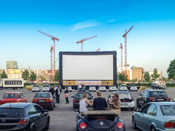 AIRSCREEN_52ft_Drive-in_Berlin_DE.jpg