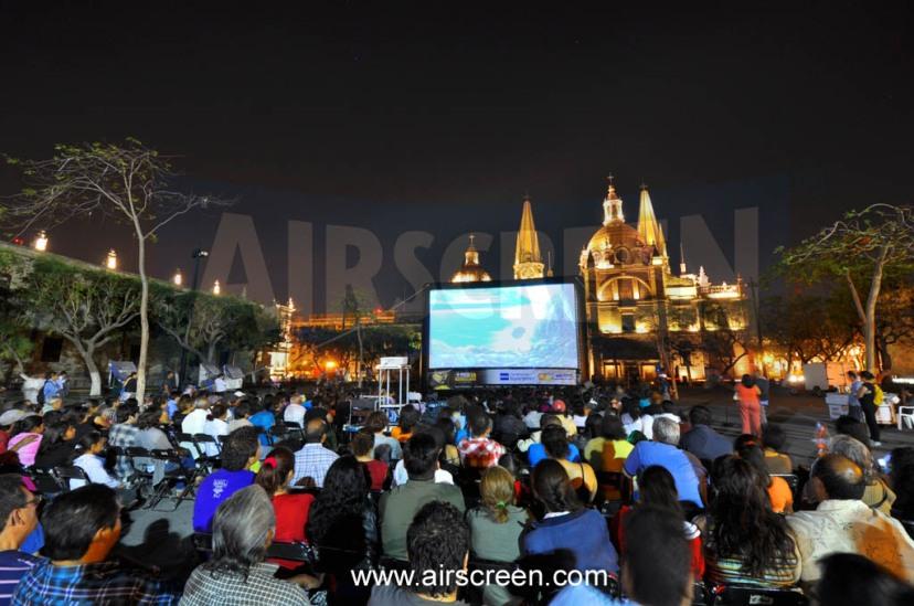 Open air kino mit AIRSCREEN