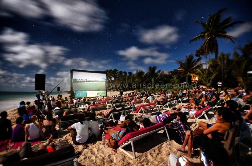 Open-Air-Kino an Mexikos Küste